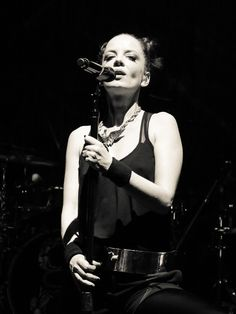 Shirley Manson from Garbage at Club Taken with Canon Music Icon, My Music, Shirley Manson, Stupid Girl, Alternative Rock Bands, Music Pictures, Most Beautiful Women, Music Artists, Role Models