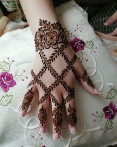 gorgeous henna design by saman - Mehndi Designs - Henna Designs Hand Modern Henna Designs, Henna Tattoo Designs Simple, Khafif Mehndi Design, Latest Henna Designs, Mehndi Designs Book, Back Hand Mehndi Designs, Finger Henna Designs, Mehndi Designs For Girls, Mehndi Designs 2018