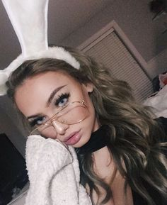 grafika girl, eyes, and make up Brown Hair Selfie, Pretty People, Beautiful People, Pretty Blonde Girls, Pretty Girls, Summer Outfit For Teen Girls, Makeup Obsession, Halloween Disfraces, Character