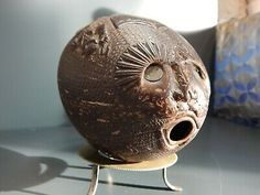Antique Hand Carved Coconut Shell Powder Flask Very Rear Good Condition. Dispatched with Royal Mail 2nd Class.