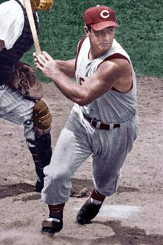 Ted Kluszewski - - Could show off those guns with that shirt! Cincinnati Reds Baseball, Baseball Star, Sports Baseball, Baseball Cards, Cincinatti, Baseball Classic, Baseball Pictures, Softball Players, Sports Stars