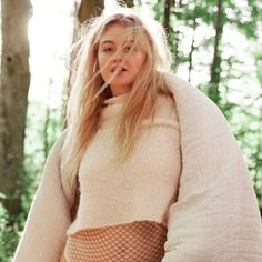 If You Loved Iskra Lawrence's Aerie Campaigns, Get Ready — She's Doing More