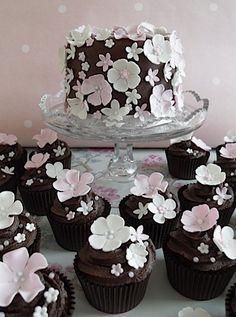 Pastel spring cupcakes