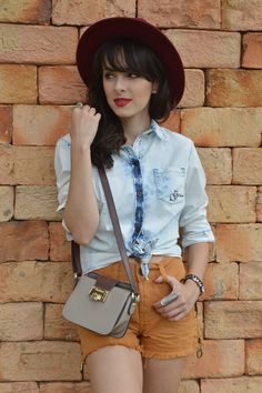 Look camisa jeans amarrada blog Ela Inspira - http://www.elainspira.com.br/look-one-too-far/