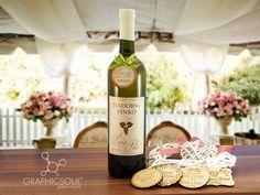 Etikety na svadobné víno Drinks, Bottle, Rose, Drinking, Beverages, Pink, Flask, Drink, Roses