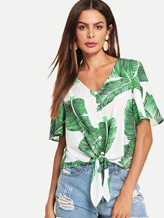 Women Boho Tropical Shirt Regular Fit V Neck Short Sleeve Regular Sleeve Placket Multicolor Crop Length Buttoned Knot Front Tropical Top Teen Fashion, Fashion News, Fashion Outfits, Womens Fashion, Fashion Styles, Fashion Trends, Crop Blouse, Printed Blouse, Mode Boho