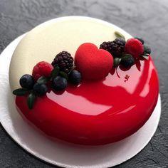 Matte or Gloss Cake by 😍❤️ Mini Cakes, Cupcake Cakes, Cupcakes, Beautiful Cakes, Amazing Cakes, Raspberry Cake, Blackberry Cake, Sweet Bakery, Fancy Desserts