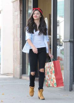 Amber Montana in ripped jeans during a Christmas shopping in December 2015....