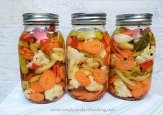 Giardiniera is an Italian inspired crisp and colorful salad of pickled vegetables. There are variations of this crisp salad. Pickled Vegetables Recipe, Pickled Carrots, Pickling Vegetables, Freezing Vegetables, Fermentation Recipes, Canning Recipes, Salad Recipes, Relish Recipes, Cucumber Recipes