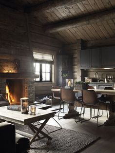 Chalet is a real dream house, comfortable, cozy and with fascinating views! Today we'll have a look at beautiful chalet dining rooms and zones as chalet Cabin Interiors, Rustic Interiors, Modern Interiors, Design Interiors, Style At Home, Casas Containers, Sweet Home, Wooden Cabins, Wooden Houses