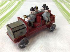 Erzgebirge Holzspielzeug Feuerwehr Mannschaftswagen Holz Wagen Auto Miniatur in Antiquitäten & Kunst, Volkskunst, Erzgebirge | eBay!