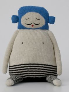 Balthazar is one of our favourite hugs from the Lucky Boy Sunday collection. Knitted in baby alpaca wool, incredibly sof