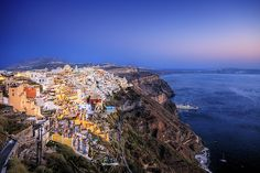 Santorini, volcanic island in the Cyclades group of the Greek islands Mykonos, Santorini Grecia, Santorini Island, Oh The Places You'll Go, Cool Places To Visit, Greece Tourist Attractions, Culture Art, Paros, Greece Travel