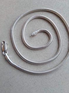 Slangekæde i sølv 3mm 39cm: 300 kr 42cm: 450 kr 44cm: 450 kr 45cm: 475 kr 46cm: 500 kr
