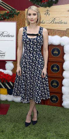 Look of the Day - Prada Dress - Ideas of Prada Dress - Emma Roberts wowed in a Prada dress and navy heels at the Brooks Brothers annual holiday celebration. Celebrity Dresses, Celebrity Style, Emma Roberts Style, Navy Heels, Prada Dress, Cute Dresses, Summer Dresses, Kate Bosworth, Gossip Girl