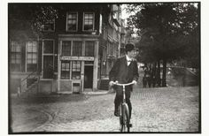 Cyclist on the Prinsengracht in Amsterdam, George Hendrik Breitner, c. 1890 - c. 1910 - Rijksmuseum