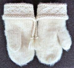 Lovikka mittens by hemskapat. Knit Mittens, Mitten Gloves, Macrame Knots, Knitting Projects, Hooks, Knit Crochet, Warm, Sewing, Nice