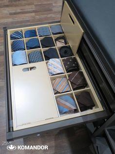 szuflada Komandor do przechowywania krawatów, pasków, szelek oraz innych drobnych elementów