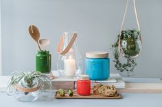 Holmegaards Design With Light og retroserien Palet i stilsikker miks. Vi elsker årets nyheter fra Holmegaard!