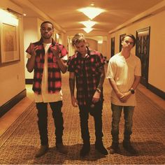 Justin's instagram : check the boots
