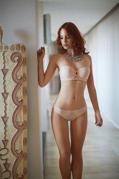 LILY Strapless lace light push up bra   IVY Lace & tulle panty