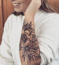 20 Cool tattoo models - Tattoos of Hannah Pretty Tattoos, Unique Tattoos, Beautiful Tattoos, Small Tattoos, Delicate Tatoos, Feminine Arm Tattoos, Tattoo Girls, Girl Tattoos, Girl Sleeve Tattoos