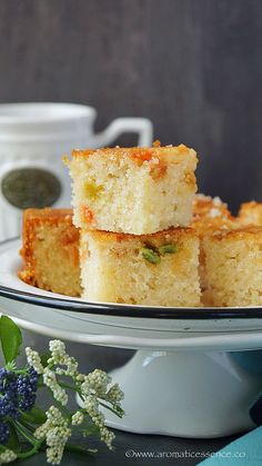 Step-by-step recipe with pictures to make eggless Rava Cake Egg Free Recipes, Easy Cake Recipes, Dessert Recipes, Breakfast Recipes, Sweets Recipe, Quick Recipes, Breakfast Ideas, Eggless Recipes, Eggless Baking