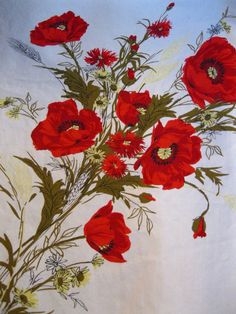 vtg COTTAGE KITCHEN TABLECLOTH w/ RED CALIFORNIA POPPY & YELLOW DAISY BOUQUETS