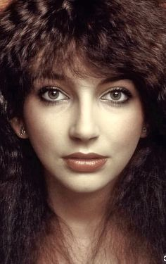 click then click again for LGE pic Victoria Principal, Experimental Music, Women Of Rock, Face Expressions, Rachel Weisz, Record Producer, Beautiful Celebrities, Music Artists, Celebs