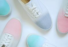 DIY dip-dye shoes by Christine Wisnieski Dip Dye Shoes, How To Dye Shoes, Dyed Shoes, Look Fashion, Diy Fashion, Pastel Fashion, Runway Fashion, Fashion Trends, Do It Yourself