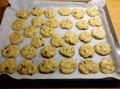 από τον Ιωάννη Τριφύλλη   Υλικά   - 1 κούπα αλεύρι  - 1 κούπα βρώμη  - 1/2 κούπα λάδι (χρησιμοποίησα ηλιέλαιο)  - 1/3 κουταλάκι γλυκ... Cookies, Desserts, Blog, Crack Crackers, Tailgate Desserts, Deserts, Biscuits, Postres, Blogging