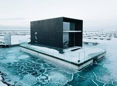 Koda light float Prefab movable house on pontoon by (Images via and ) Floating House, Floating In Water, Prefabricated Houses, Prefab Homes, Bunker, Movable House, Floating Pontoon, Zinc Cladding, Lakefront Property