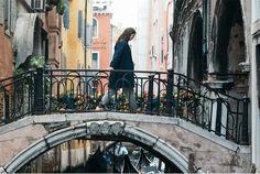 "MANGO's new Violeta by MANGO Venice Diaries ""unique trips to Venice"" #AW16 editorial feat. Charlotte Jones #WeAreVioleta plus size fashion #curvywomen Look-0010"