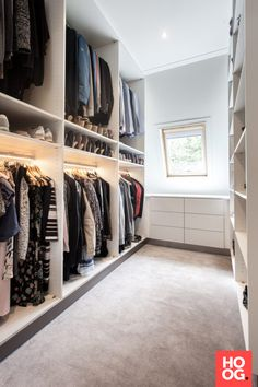 Luxury Walk In Closet and Dressing Room Walk In Closet Design, Bedroom Closet Design, Master Bedroom Closet, Closet Designs, Bedroom Storage, Wardrobe Behind Bed, Bedroom Wardrobe, Wardrobe Closet, Small Walk In Wardrobe