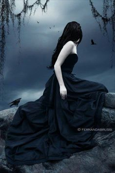 diosa vampirica: todas quieren ser bella, deseada a los ojos del hombre, pero... hay beses que la BELLEZA no es un PRIVILEGIO, sino una CARGA...
