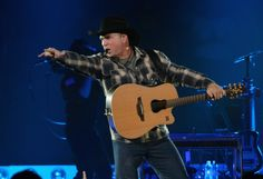Garth Brooks Hosts Album Preview of 'Man Against Machine' in Nashville | Rolling Stone