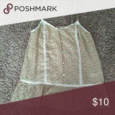 Lightweight Top Good condition. Size L. Sheer like material Old Navy Tops Tank Tops