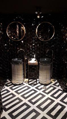 design - Drake's Pick Restaurant Presents an Upscale Bathroom Design Restaurant Bad, Restaurant Bathroom, Opening A Restaurant, Luxury Restaurant, Restaurant Design, Diy Bathroom, Modern Bathroom, Master Bathroom, Bathroom Ideas