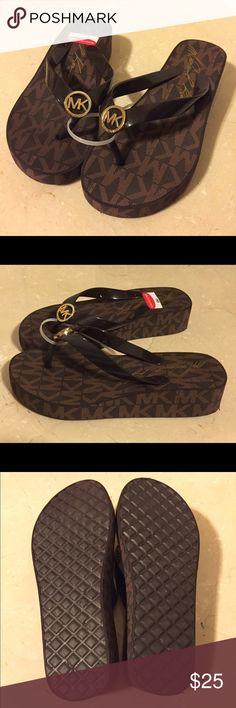 40+ Mk Sandals ideas | mk sandals