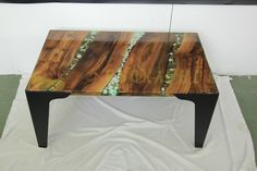 Coffee table with Walnut wood and decorative stones Walnut Wood, Epoxy, Coffee Tables, Countertops, Resin, Stones, House, Decor, Decoration