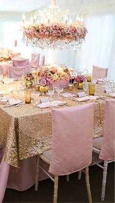¿Qué te parece una decoración súper girly y fresca para tu boda? ¿Te gusta? banquetes para bodas, bodas en león, decoración para bodas, complementos para bodas