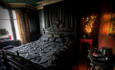 Marvelous-Wall-Art-And-Black-Bed-Set-For-Ghotic-Bedroom-Decor-Mixed-With-Mini-Nightstand-Design-And-Floral-Window-Curtains.jpg (1600×978)