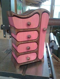 Bandsäge Box, färbig lasiert, geölt, Schmuck Box, Bandsaw Box ( nicht mehr verfügbar )