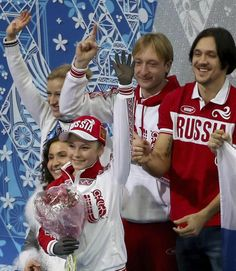 . Sochi (Russian Federation), 09/02/2014.- Yulia Lipnitskaya of Russia reacts with team members after women's Free Skating of the Figure Ska...
