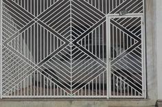 Escadas, estruturas metálicas para indústrias e comércios, portas, portas de