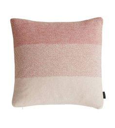 8ba836343d OYOY Sierkussen PEARL koraal wit katoen 50x50cm - wonenmetlef.nl Crochet  Home Decor