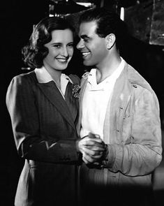 Director Frank Capra made 5 films with Barbara Stanwyck: Meet John Doe, The Bitter Tea of General Yen, Forbidden, Ladies of Leisure, Miracle Woman. Golden Age Of Hollywood, Vintage Hollywood, Hollywood Stars, Classic Hollywood, Vintage Glam, Best Director, Film Director, Frank Capra, Film World