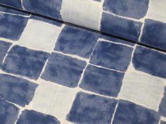 **Karos blau , Baumwolle** Wunderschöner weicher Double Gauze Baumwollstoff von Kokka mit kleinen Vierecken.  Der perfekte Stoff für Oberteile, Röcke, Kleider und vieles, vieles...