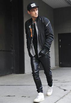 Atreve te a usar outfits en colores oscuros en este invierno.