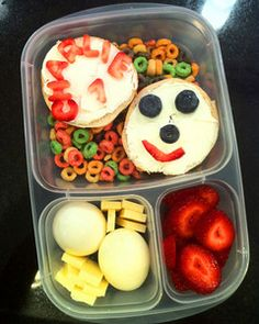 Yummy Lunch Box Gallery - Easy Lunch Boxes, Bento Lunches : Photo Keywords : kids lunch boxes  | SmugMug